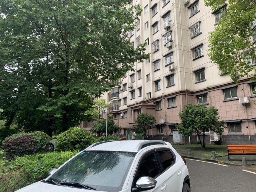 青山区红钢城精装2室2厅1卫二手房出售
