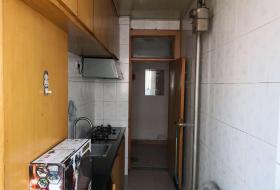 2室1厅1卫1阳台1350元/月,环境幽静,居住舒适
