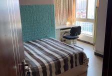 晓月新城方正精装修两居室,九月10号到期。