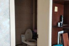 大社区,生活交通方便,3室2厅2卫1阳台2200元/月