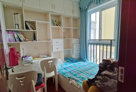 时代悦城套三精装修,家具齐全,优惠出租。
