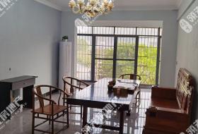 城东出租精装修3房2800/月,家电、家具齐全!