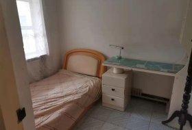 恒友小区出租2室2厅一卫简装70平,1000元半年或一年交付