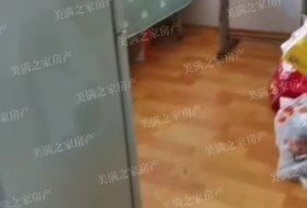 弘霖3楼出租8月20以后入住铺地面,没电视13500